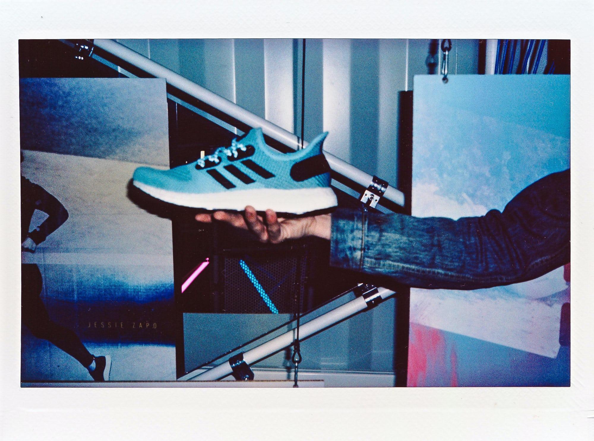 Adidas am4 la polaroids  17