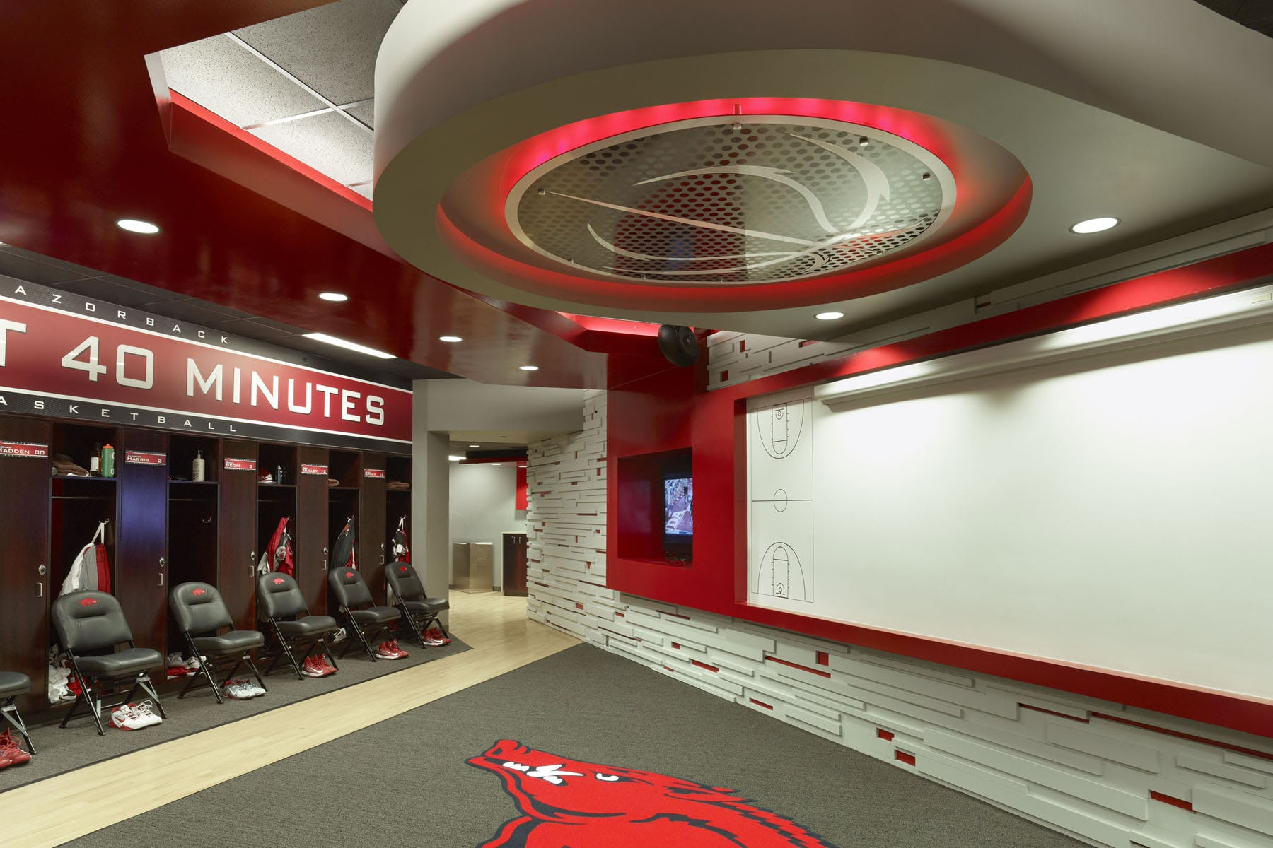 Ua mens basketball locker rooms 12