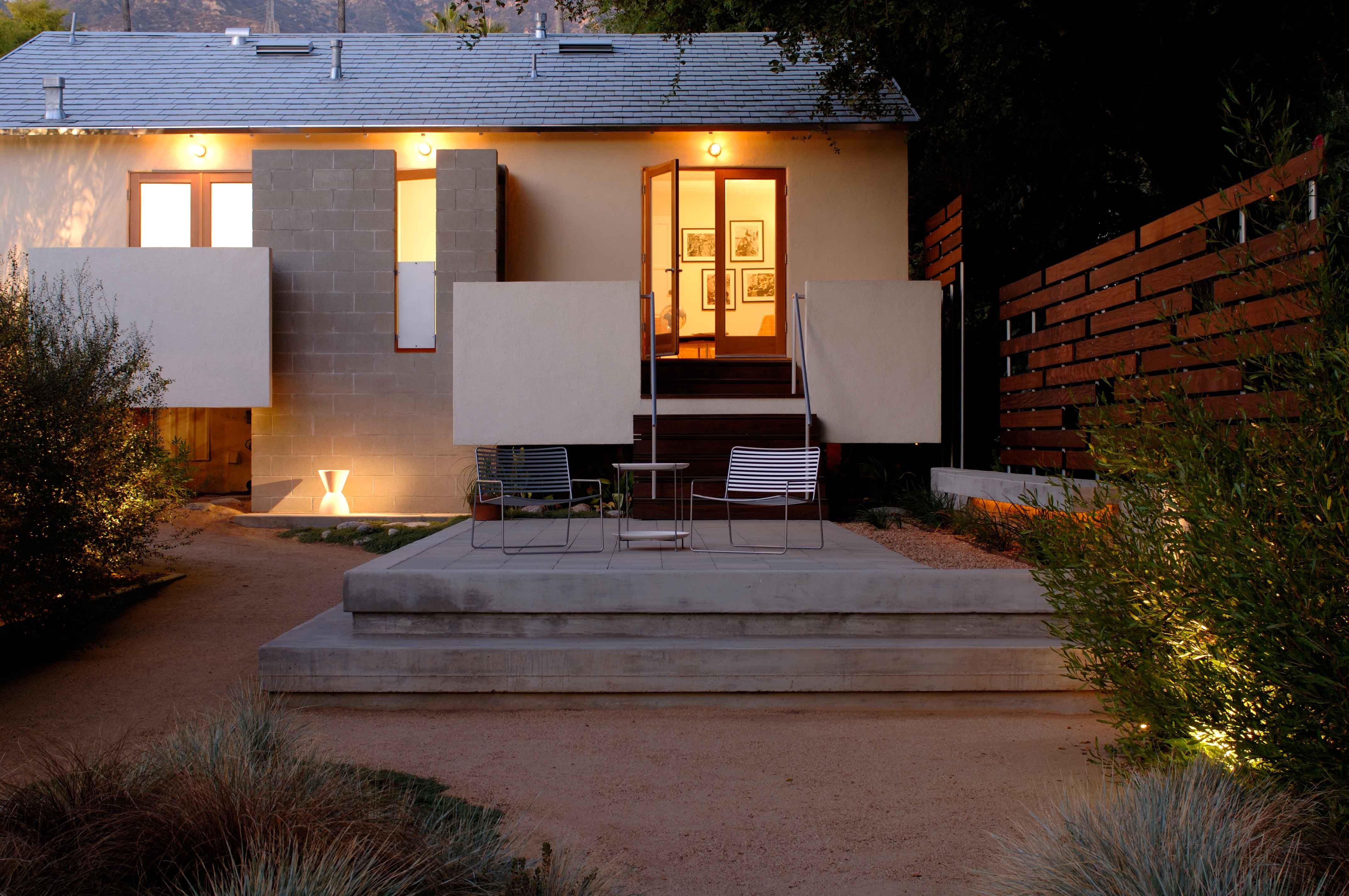 Fer murphy levitz residence frontpatio 7