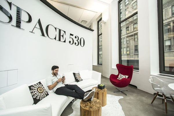 W space530 lounge01