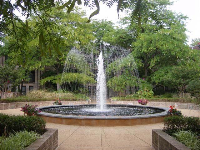 Fountain1 web