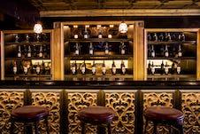 Greenwich bar detail
