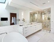 29 bathrm w tub shower 1024h