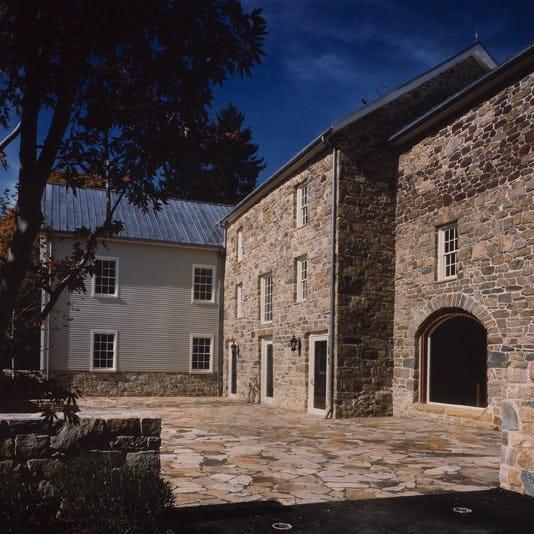 Thumb gladstone barn