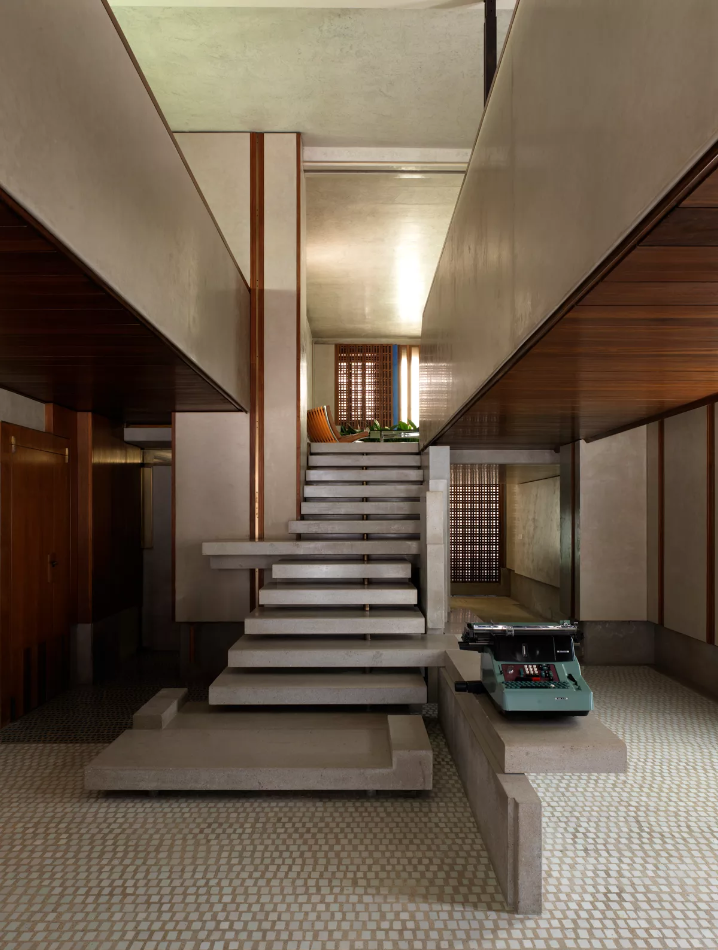 Olivetti showroom carlo scarpa from divisare  marco introini photographer