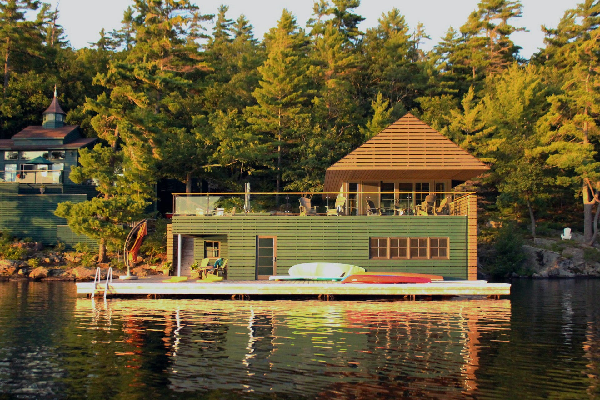 Level incorporated muskoka boathouse