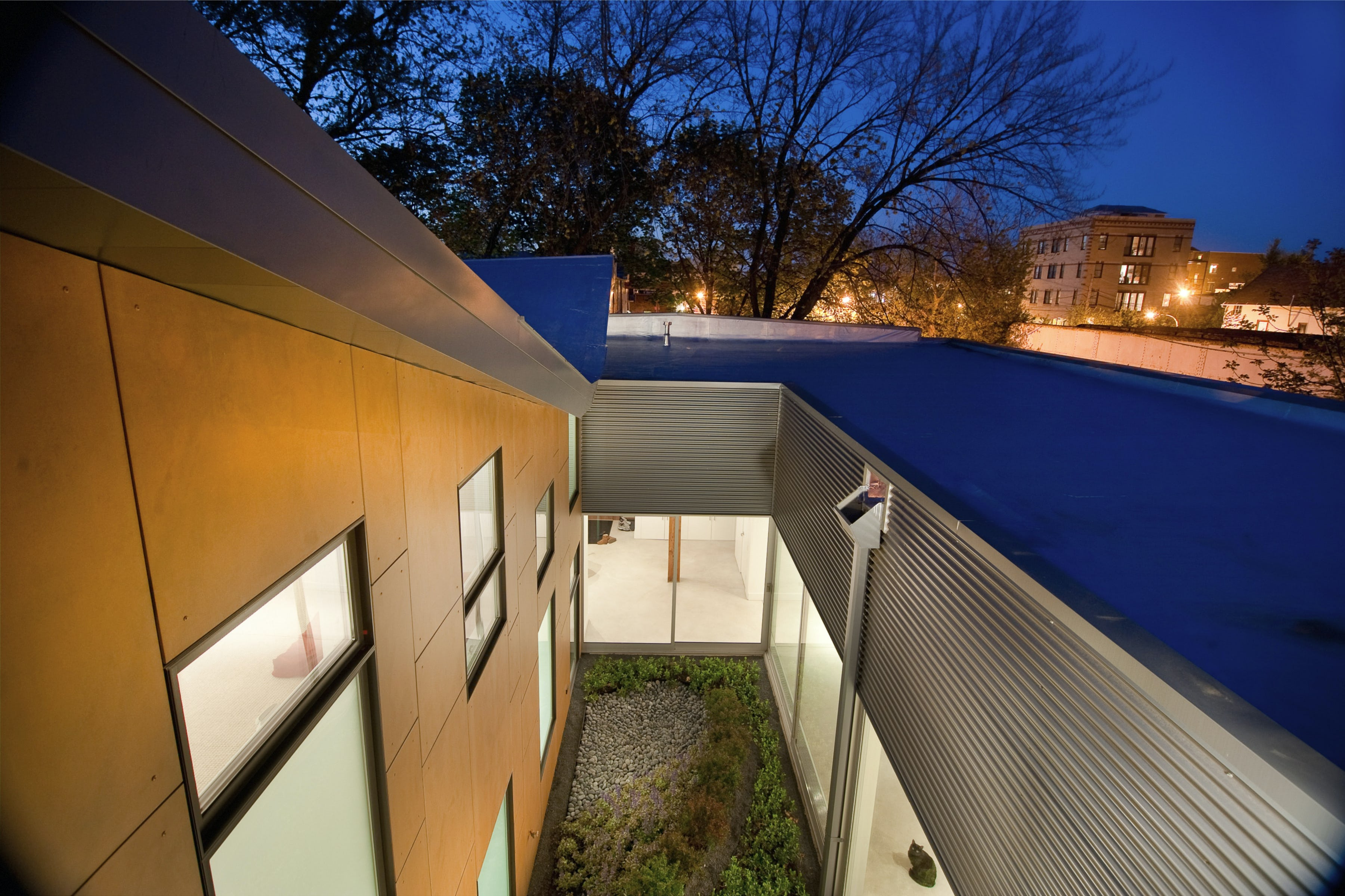 Courtyard from above 01