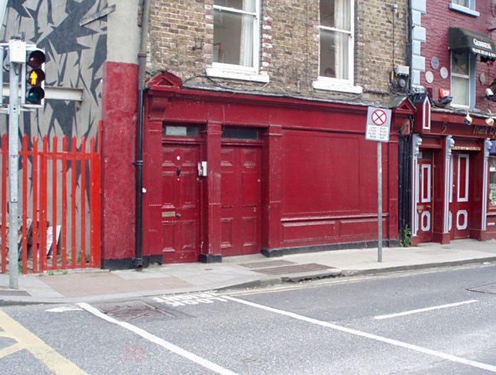 Queen street phot front