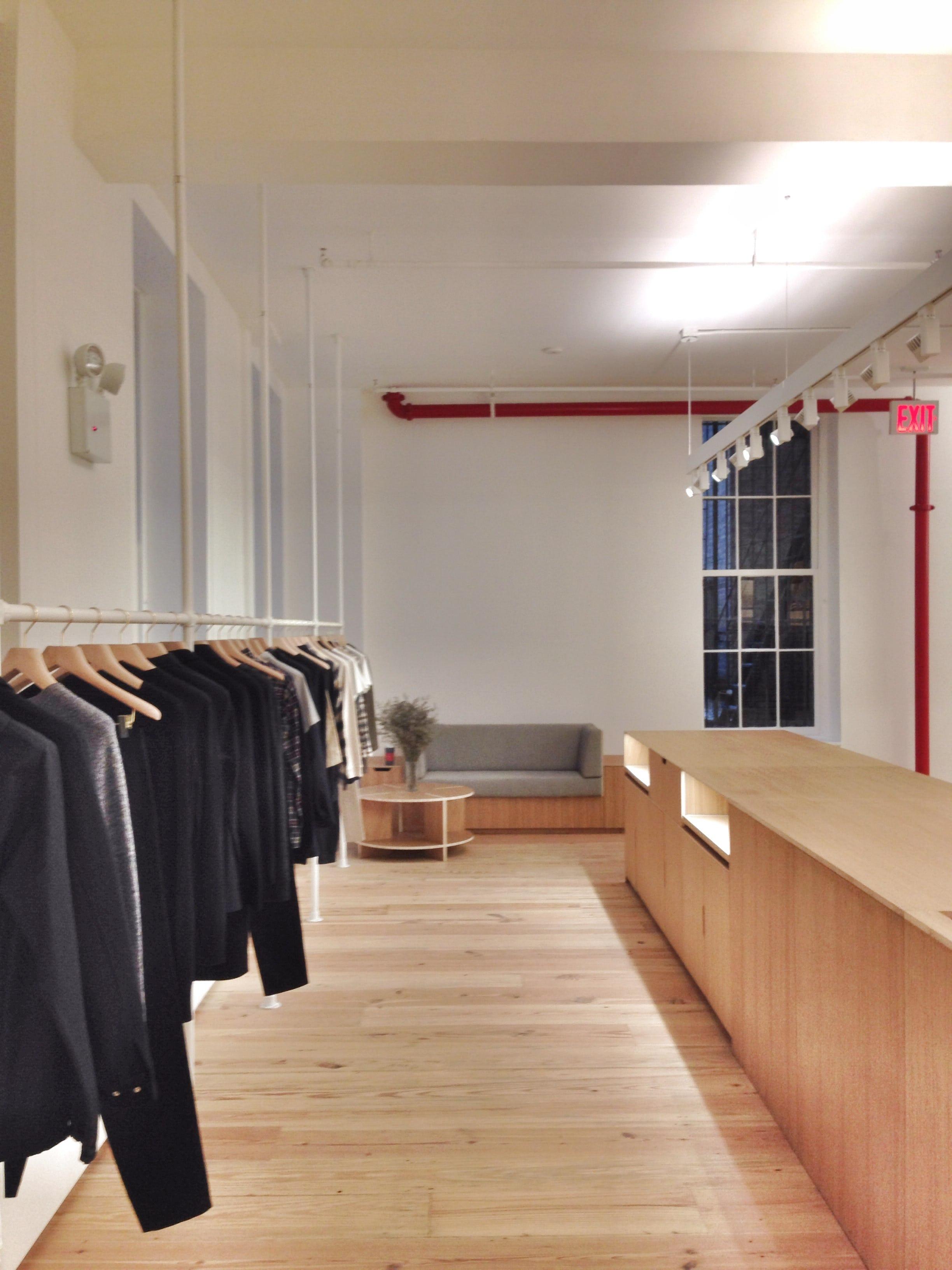 P apc showroom01