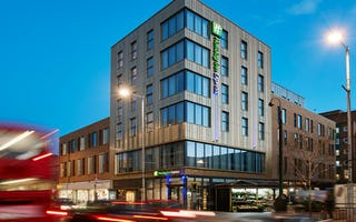 Holiday inn express london 4303198110 4x3