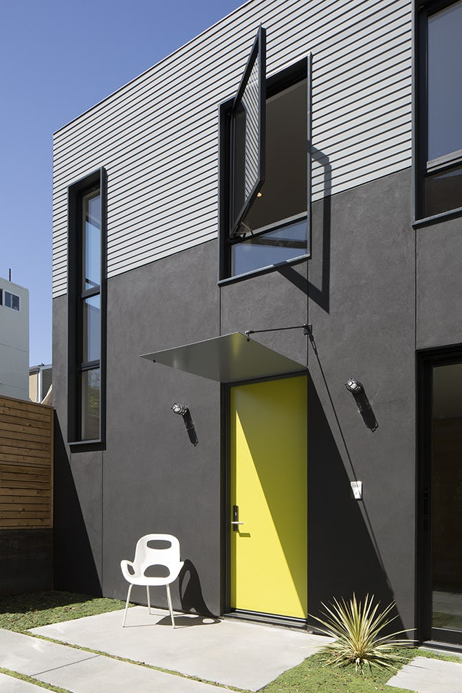 Zack de vito architecture steelhouse 1 and 2 black stucco detail jpg