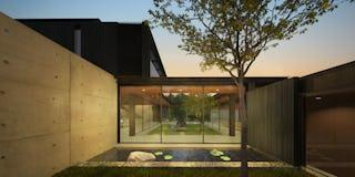Studio bracket paradise cove courtyard