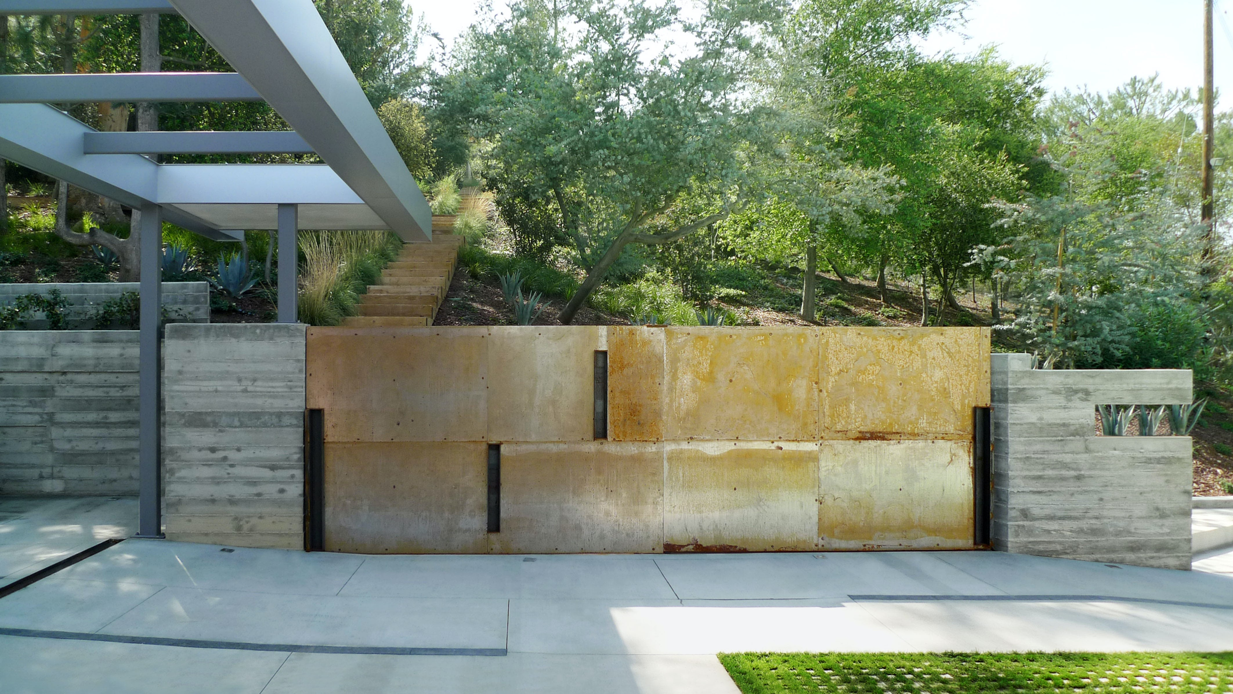 Fer factor residence driveway2