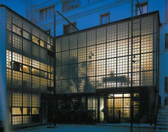 Pierre chareau and bernard bijvoet masion du verre yukio futagawa ga photographers