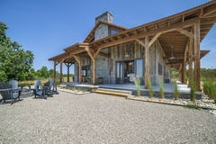 Six mile lake hunting cabin northern michigan architecture