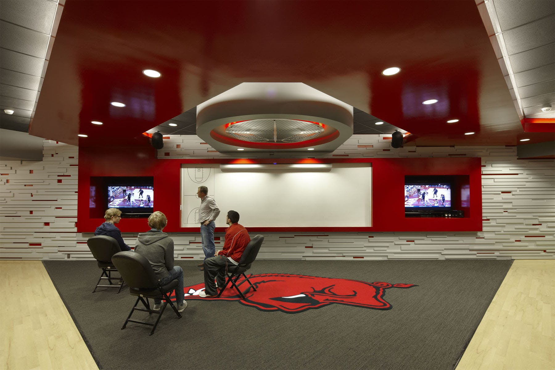 Ua mens basketball locker rooms 9