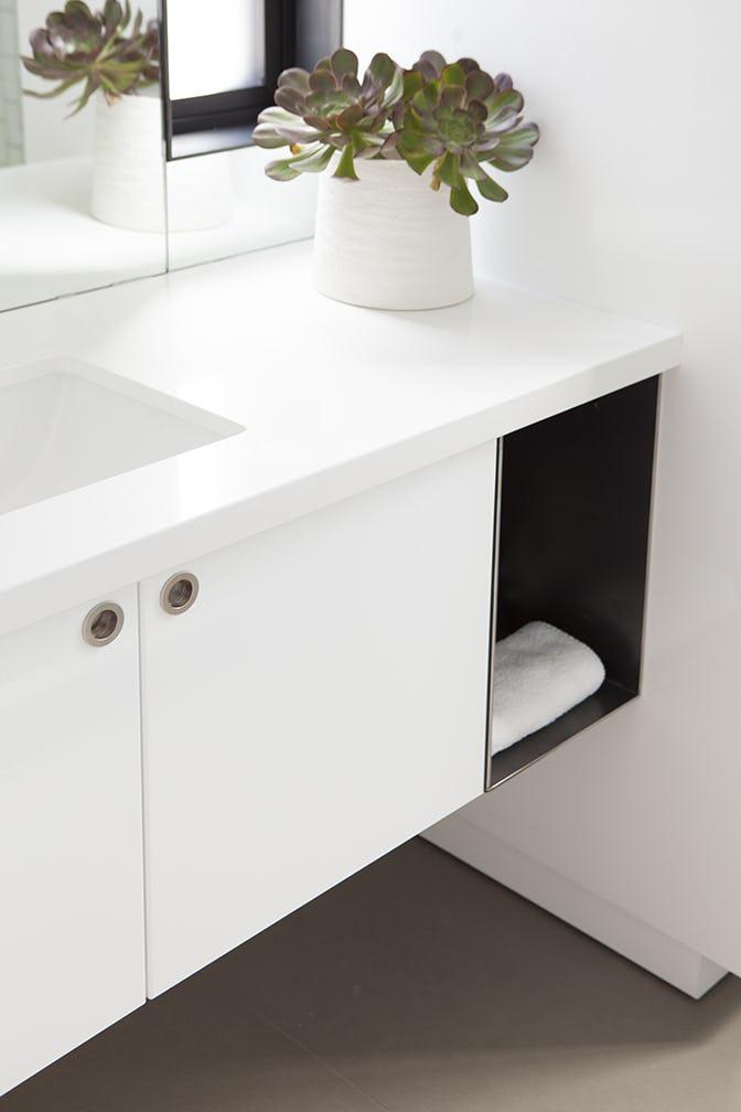 Builtform construction  steelhouse1 2 bathroom detail modern