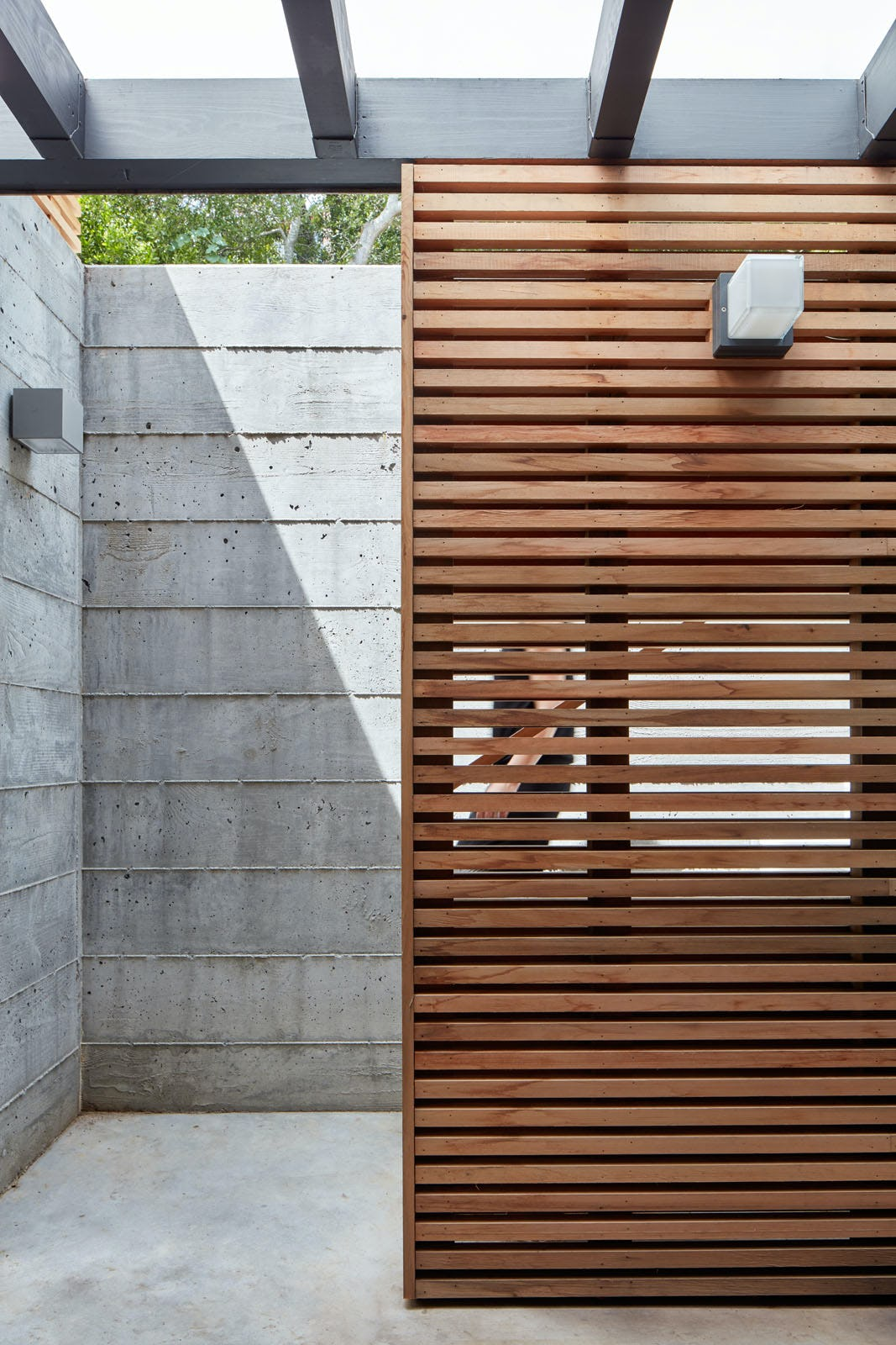 Builtform construction 441tamresidence detail patio modern wood smaller