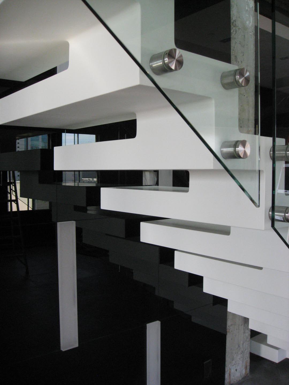 1004 1005stair tread detail
